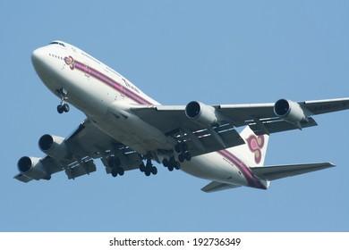 CHIANGMAI , THAILAND- APRIL  13 2008 : HS-TGT Boeing 747-400 of Thaiairway. Landing to Chiangmai airport from Bangkok Suvarnabhumi. thailand.