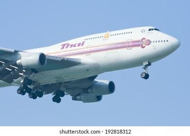 CHIANGMAI , THAILAND- DECEMBER  23 2008 : HS-TGG Boeing 747-400 of Thaiairway. Landing to Chiangmai airport from Bangkok Suvarnabhumi. thailand.