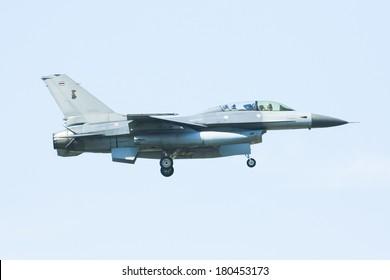 CHIANGMAI ,  THAILAND- DECEMBER  25  2008: 40305  F16B  (Fighting Falcon)  of Royal Thai Air force.  Landing  to Chiangmai  Airport.