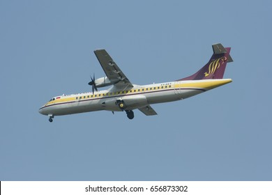 CHIANGMAI, THAILAND - DECEMBER 6 2007: XY-AEY ATR72-200 of Airmandalay. landing to Chiangmai airport from Mandalay ( Myanmar ).