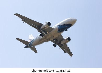 CHIANGMAI / THAILAND - FEBRUARY  5 2014 : HS-PPC Airbus A319-100 of Bangkokairway. landing to Chiangmai airport from Bangkok Suvarnabhumi, thailand.