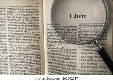 "CHIANGMAI, THAILAND, March 22,2015. Reading The New International Version of the Holy Bible on the book of "" john "" at home. March 22,2015"