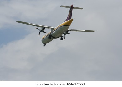 CHIANGMAI, THAILAND -MAY 17 2007: F-OHFZ ATR72-200 of Airmandalay. landing to Chiangmai airport from Mandalay ( Myanmar ).