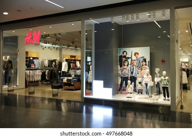 CHIANGMAI, THAILAND - SEPTEMBER 23 2016: H and M shop. Shop in Central Festival chiang mai. New Business Plaza of Chiangmai City.