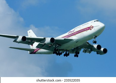 CHIANGMAI , THAILAND- SEPTEMBER 7 2008: HS-TGR Boeing 747-400 of Thaiairway. Landing to Chiangmai airport from Bangkok Suvarnabhumi. thailand.