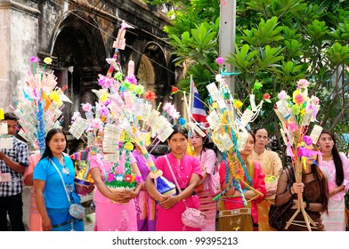 CHIANGMAI THAILAND-APRIL 5: Poi Sang Long ordination.Traditional annual ceremony of Wat Pa Pao Shan. on April 5,2012 in Chiangmai, Thailand. Unidentified participants