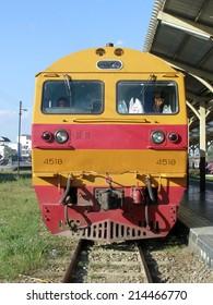 CHIANGMAI, THAILAND-NOVEMBER 21 2006 :Hitachi locomotive no.4518 for train no.14 from chiangmai to Bangkok. Photo at chiangmai railway station.