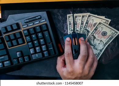 CHIANGMAI,THAILAND - MAY 9,2018 : New trends job : People earn money by using social media, woking at home, game competition.
