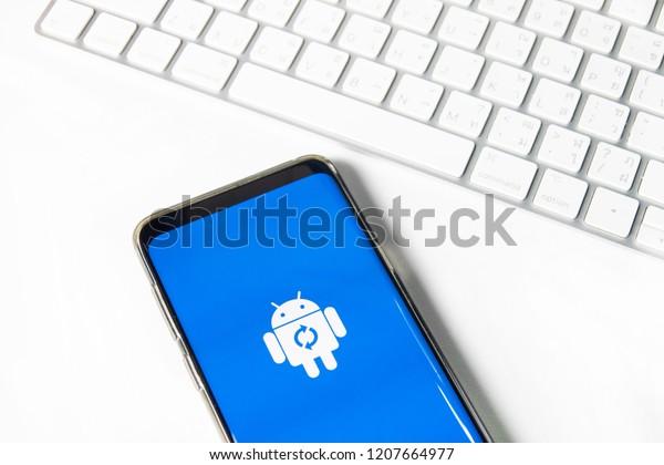 Chiangmaithailand Oct 052018 Android Os Installing Stock