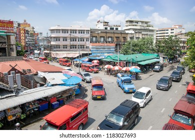 CHIANGMAI,THAILAND-SEPTEMBER 17,2018 : Warorot market (kad luang) famous for tourists for local market