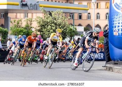 "CHIAVARI, ITALY - MAY 11: Moreno Hofland  Lotto jumbo crew cyclist during the third stage of ""Giro d'Italia 2015"" on 11 may 2015 in Chiavari, italy"