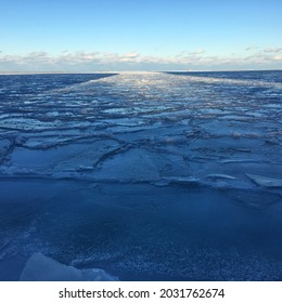 Chicago is so beautiful in winter. Frozen lake is really incredible and cannot get enough of it.