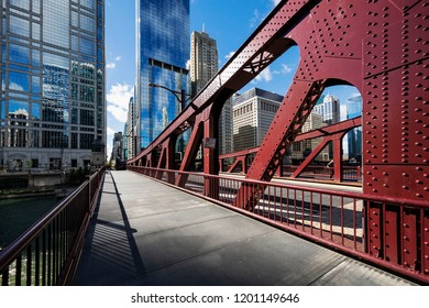 Chicago downtown bridge and buiding