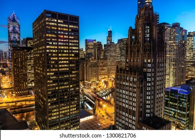 Chicago downtown buildings skyline evening