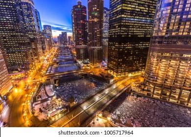 Chicago downtown evening skyline river bridge buildings