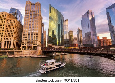 Chicago Downtown skyline at sunset, Chicago, Illinois.