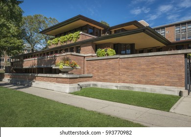 CHICAGO, IL -20 Sept 2015- Built in 1910, the Frederick C. Robie House, designed by American architect Frank Lloyd Wright, located near the campus of the Chicago University.