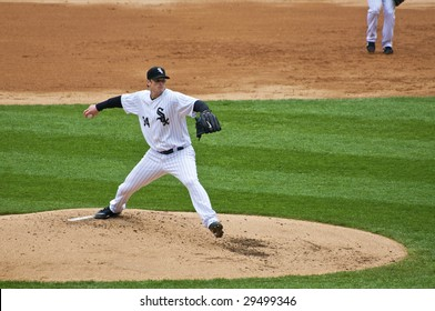 CHICAGO, IL - APRIL 29: Gavin Floyd pitches for the Chicago White Sox vs. Seattle Mariners at U.S. Cellular Field April 29, 2009 in Chicago, IL.