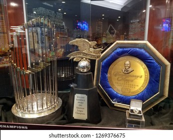 Chicago, IL July 30, 2018, Chicago White Sox 2005 World Series Commissioner's Trophy, American League Trophy, World Series ring, Commissioner's Plate on display