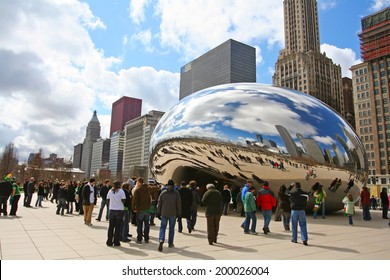 CHICAGO, IL, US - MARCH 18, 2007: Unidentified visitors visit Bean or Cloud Gate at Millennium Park. Here is the major city landmark but Admission is free.