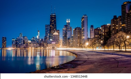 CHICAGO, IL, USA – MARCH 20, 2019: Skyline of Chicago seen from the North Side at dusk