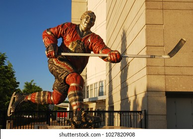 Chicago, IL, USA May 29, 2012 The Chicago Blackhawks hockey team honors legendary player Bobby Hull with a statue in front of the United Center, their home in Chicago
