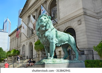 CHICAGO, ILLINOIS - AUGUST 22, 2015: Lion Statue. The statue is one of a pair of bronze lions by sculptor, Edward Kemeys, that flank the main entrance of The Art Institute of Chicago.