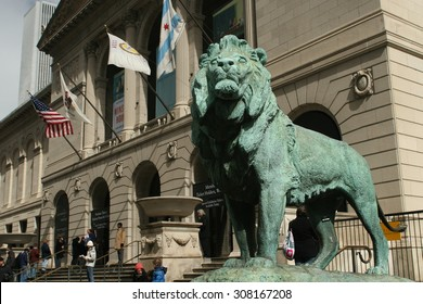 CHICAGO, ILLINOIS - MAR 24: The lion statue and the Art Institute of Chicago has one of the world's most notable collections of Impressionist  art, on March 24, 2008 in Chicago, Illinois, USA.