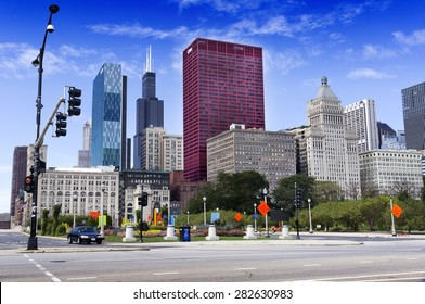 CHICAGO, ILLINOIS - SEPTEMBER 6: CNA Plaza and Willis Tower on September 6, 2012 in Chicago, Illinois. Willis Tower, also known as Sears Tower, was the tallest building in the world from 1973 to 1998.
