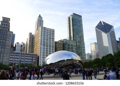 """Chicago, Illinois, U.S.A - October 13, 2018 - Cloud Gate, also known as """"The Bean"""", the famous centerpiece atMillennium Park in thecity filled with tourists"""