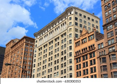 Chicago, Illinois (USA). Old city architecture at Dearborn Street.