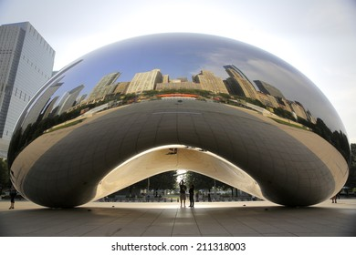 CHICAGO, ILLINOIS/USA-AUGUST 1ST 2014: Cloud Gate or The Bean as it appears on early morning august 1st 2014 in Millennium Park, Chicago, Illinois
