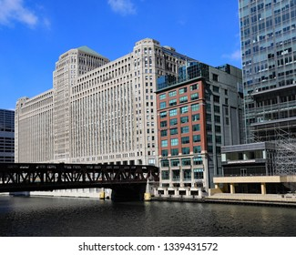 CHICAGO, IL/USA - MARCH 5, 2019:  The Merchandise Mart in Chicago, along the Chicago River.
