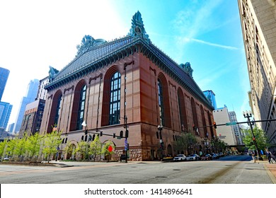 CHICAGO, IL/USA - MAY 15, 2019:  The Harold Washington Public Library in downtown Chicago, a huge library in a safe neighborhood, with train service on the elevated L.