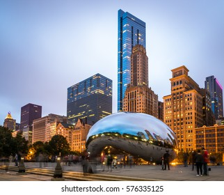 Chicago, MI/USA October 10, 2016: Famous Cloud Gate sculpture in Chicago Millenium Park