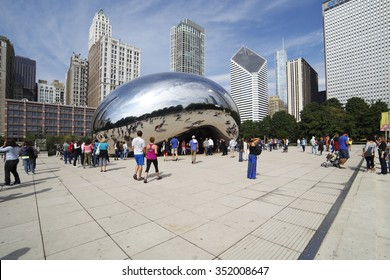 CHICAGO - SEPTEMBER 09: The mirrored sculpture popularly known as the Bean (Cloud Gate, by Anish Kapoor), has become one of Chicago's most popular attractions, as seen on September 09, 2014.