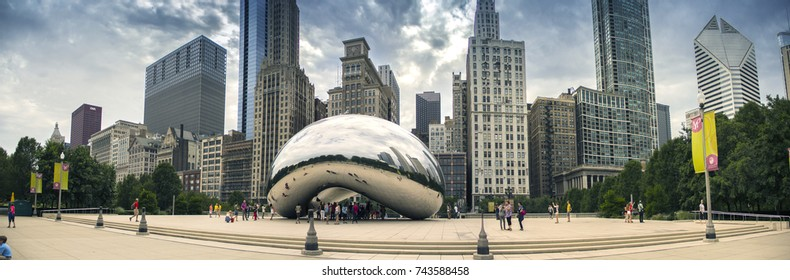 Chicago - september 14, 2013: Panoramic view of Chicago city with Cloud Gate Sculpture in downtown and in foreground