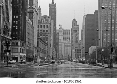 CHICAGO – SEPTEMBER 25,1979: Sunday life in Michigan ave. Vintage picture taken in 1979.