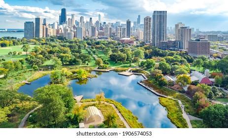 Vista aérea de drones de Chicago desde arriba, lago Michigan y ciudad de Chicago centro rascacielos paisaje vista pájaro de parque, Illinois, EEUU