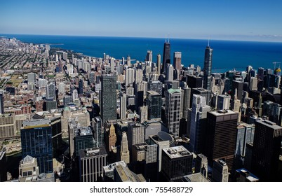 Chicago skyline and big office buildings