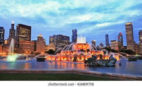 Chicago skyline and Buckingham Fountain at dusk