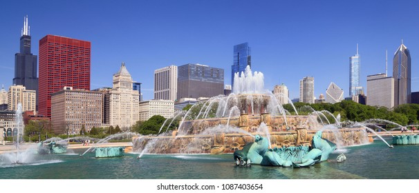 Chicago skyline and Buckingham Fountain, panoramic view, USA