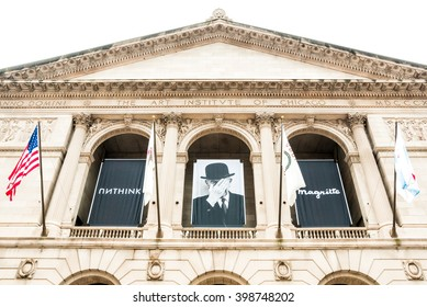 CHICAGO, UNITED STATES - AUGUST 23, 2014: Facade of the Art Institute of Chicago, is an encyclopedic art museum located in Chicago's Grant Park at South Michigan Avenue.