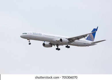 CHICAGO, USA - August 29, 2017: A United Airlines Boeing 757-300 on final approach to O'Hare International Airport.