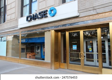 CHICAGO, USA - JUNE 27, 2013: Chase Bank in Chicago. JPMorgan Chase Bank is one of Big Four Banks of the US. It has 5,100 branches and 16,100 ATMs.