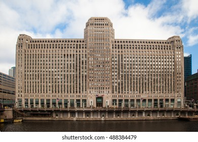 Chicago, USA - November 19, 2013: The Merchandise Mart and a train on a clear winter's morning