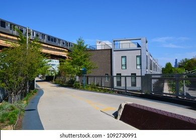 Chicago's popular 606 trail is an abandoned elevated freight train line and provides a 2.7 mile neighborhood running and biking path from Wicker Park to Logan Square on the near north-west side.