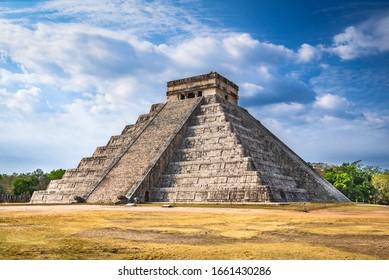 Chichen Itza, Mexico. Temple of Kukulcan, El Castillo mayan pyramid  in Yucatan, Central America.