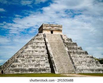 Chichen Itza Pyramid in the Yucatan Peninsula, Mexico