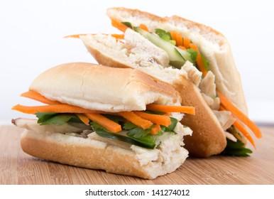 chicken banh mi - vietnamese sandwich